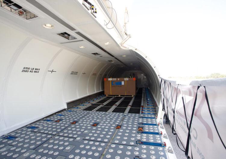 FAA aprueba la conversión a carguero FlexCombi del Boeing 737-700