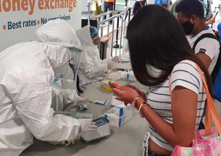 IATA preocupada por manejo de aplicación de pruebas de COVID-19 en los aeropuertos dominicanos