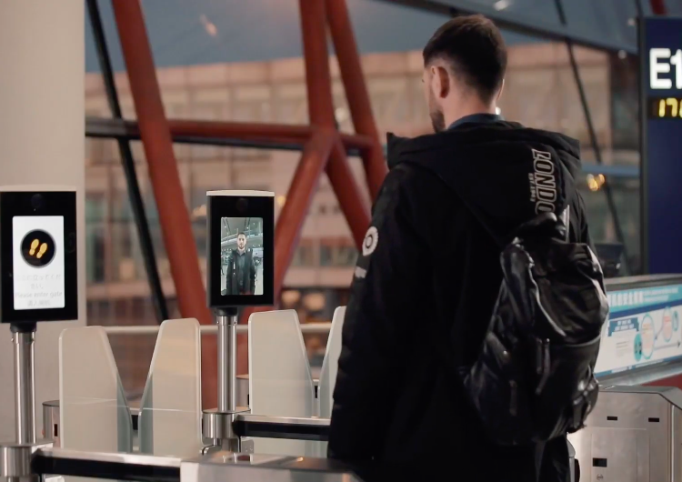 El Aeropuerto de Beijing estrena una nueva normalidad: vuelos sin contacto