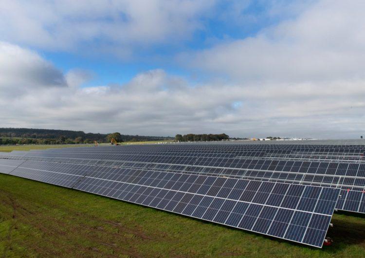 El aeropuerto de Melbourne construye la planta de energía solar más grande de Australia