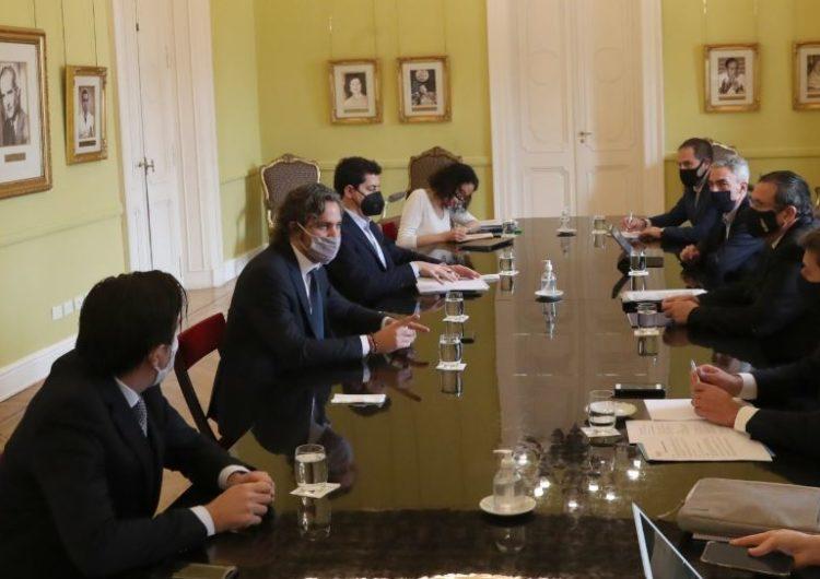 Argentina: El Gobierno analiza un protocolo para que los pasajeros puedan viajar dentro del país