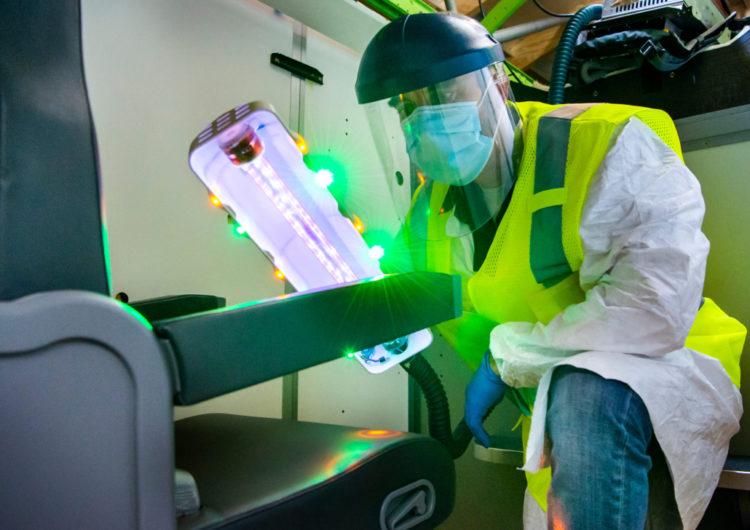 Boeing desarrolla herramienta de desinfección de cabinas con tecnología ultravioleta