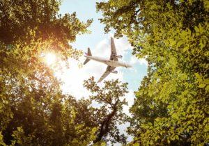 Sustituir aviones por trenes ahorraría emisiones, pero generaría muchos inconvenientes