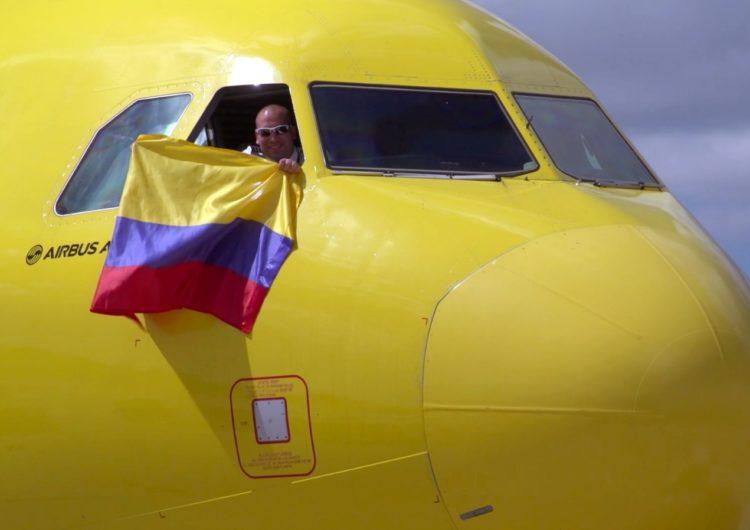 Colombia reanuda los vuelos internacionales, avanza a la fase 2 y reactiva 63 rutas aéreas