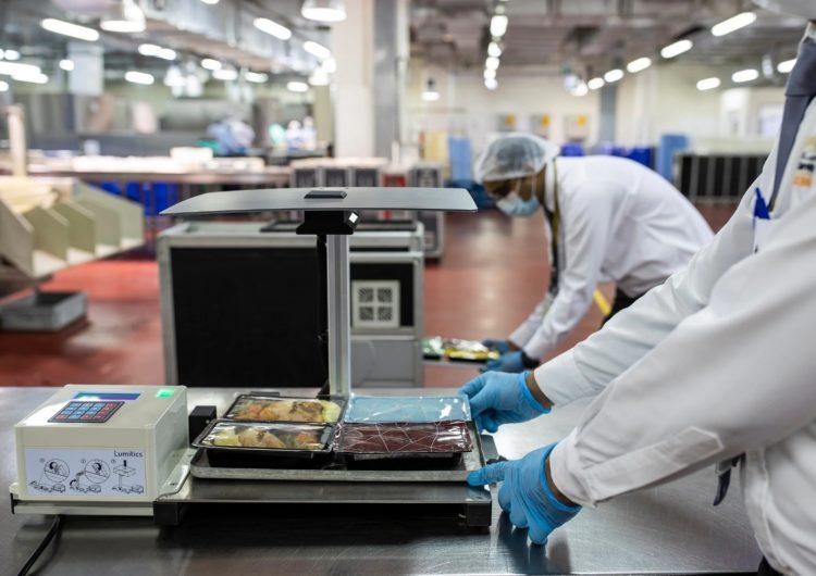 Etihad Airways incorpora una nueva tecnología de Inteligencia Artificial para reducir el desperdicio de alimentos en sus vuelos