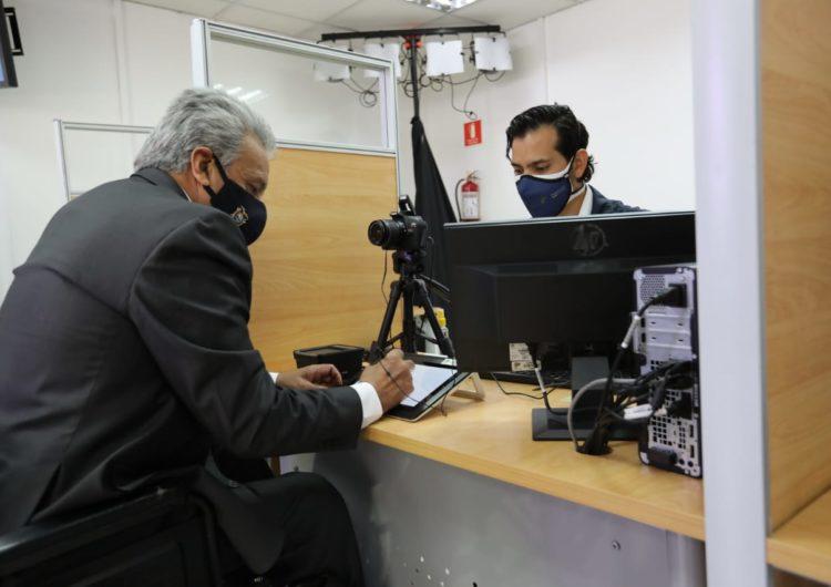 Ecuador se pasa al pasaporte biométrico