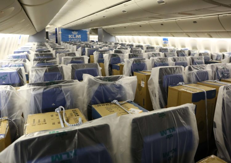 KLM llega a 100 vuelos de carga en cabina
