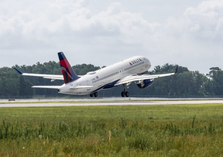 Delta Air Lines and Sabre sign transformative agreement to drive value creation