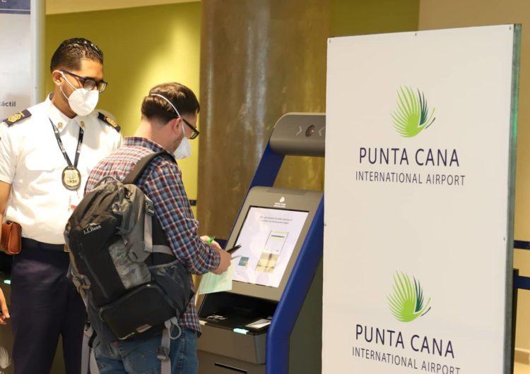 Aeropuerto Internacional de Punta Cana instala el control migratorio automatizado más moderno y ágil de todo el Caribe