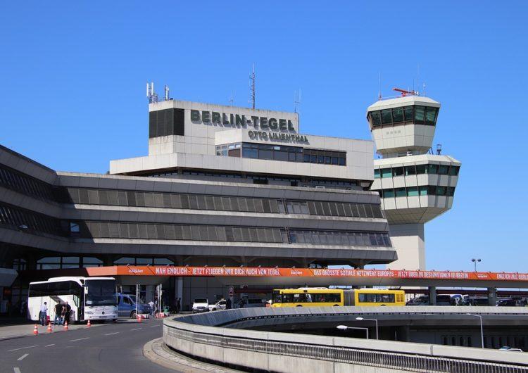 Después de 60 años Berlín cerró el aeropuerto de Tegel y trasladó las operaciones al nuevo aeropuerto de Brandenburgo