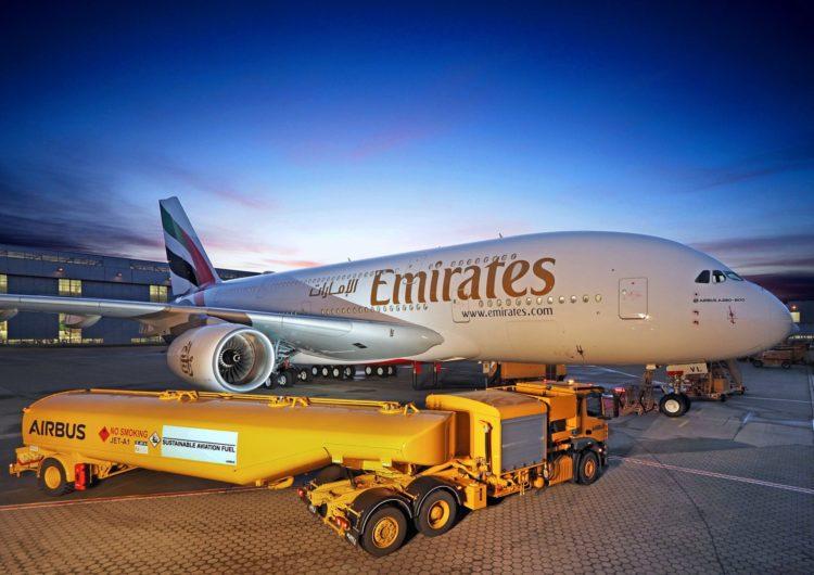Emirates recibió el primero de los tres A380 que incorporará este mes a su flota