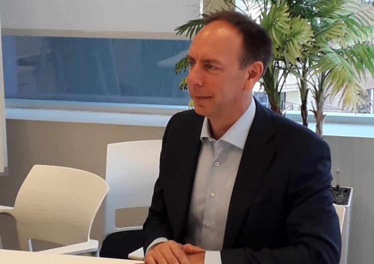 """Peter Cerdá, vicepresidente para Latinoamérica de IATA: """"En Europa, pese a tener peaks similares a Chile, no han frenado el transporte aéreo"""""""