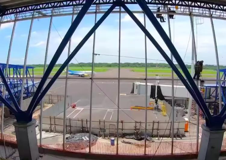 La obra de ampliación de la terminal del Aeropuerto Internacional de El Salvador tiene un avance del 85%