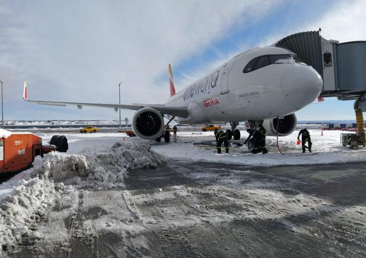 El viernes Iberia operará el 72 por ciento de sus vuelos por las limitaciones que todavía sufre el aeropuerto de Madrid