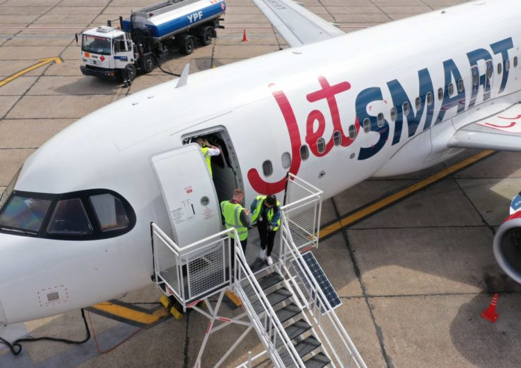 """JetSMART: Primera aerolínea en Chile en recibir certificación """"Platinum"""" por parte de APEX Health Safety para sus protocolos contra el Covid-19"""
