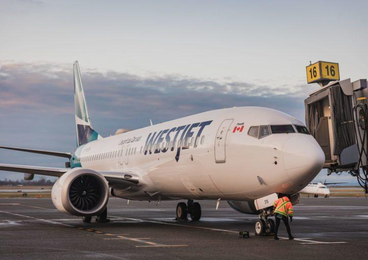 WestJet reinicia vuelos comerciales del MAX