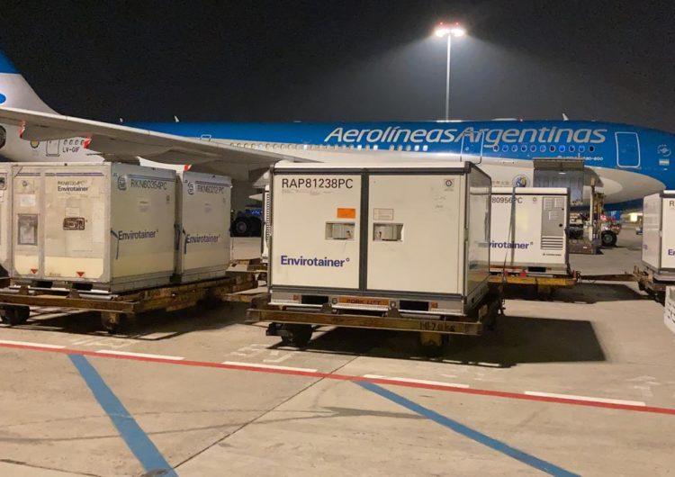 Argentina: Llegan por Aerolíneas Argentinas las 904.000 dosis de la vacuna de Sinopharm