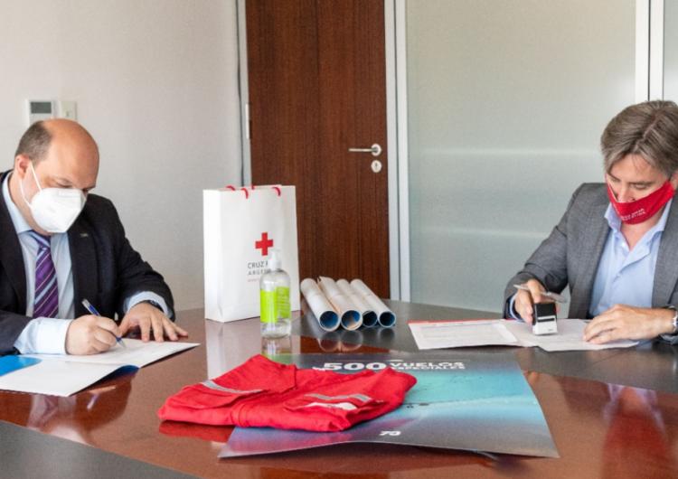 Aerolíneas Argentinas y Cruz Roja Argentina firman acuerdo para el transporte de ayuda humanitaria