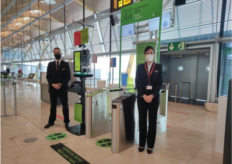 Proyecto de reconocimiento facial en el aeropuerto de Madrid evoluciona hacia la detección biométrica con tablets