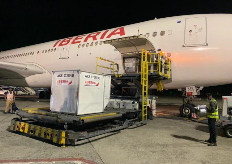 Iberia traslada a República Dominicana el primer envío de vacunas COVID