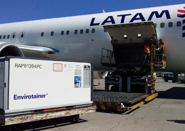 LATAM transporta gratuitamente 2 milhões de doses prontas da vacina contra Covid-19 para a Fiocruz