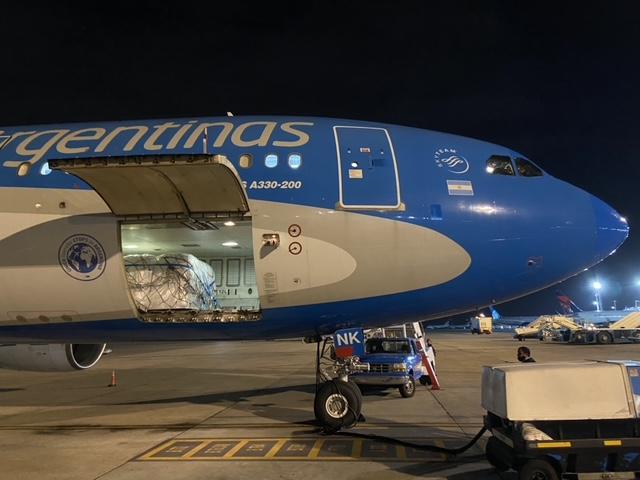 Aerolíneas Argentinas y Lufthansa realizan una operación conjunta para traer un millón de vacunas