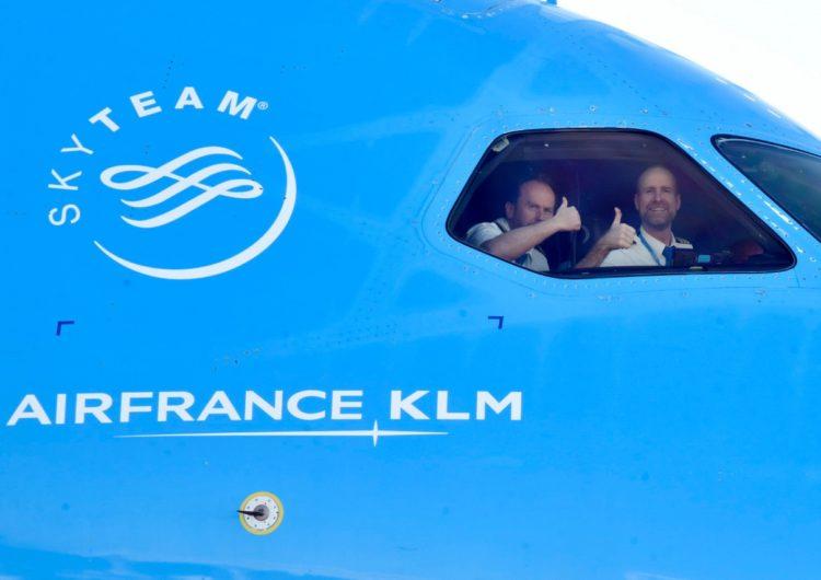 KLM transportó a la Argentina las primeras dosis de vacunas  contra el Covid-19 del Fondo Global COVAX