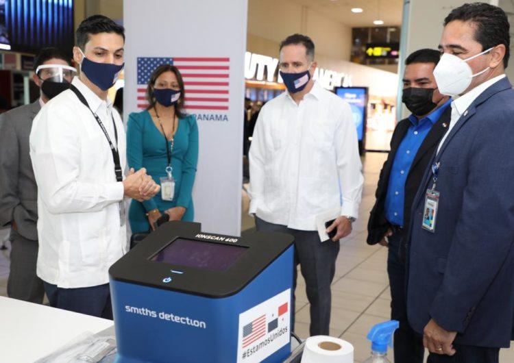 Estados Unidos dona 5 equipos de detección de explosivos para el Aeropuerto de Tocumen