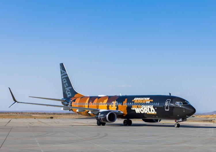 Alaska Airlines presentó un nuevo livery remarcando su compromiso con la educación y inclusión social