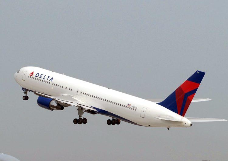 Delta volará a Islandia y Grecia sin restricciones para estadounidenses vacunados contra el COVID