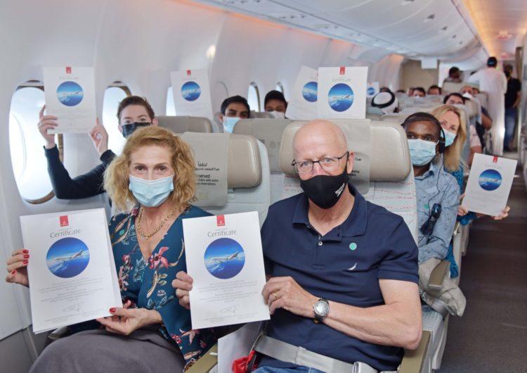 Emirates realiza su primer vuelo con pasajeros completamente vacunados contra COVID-19