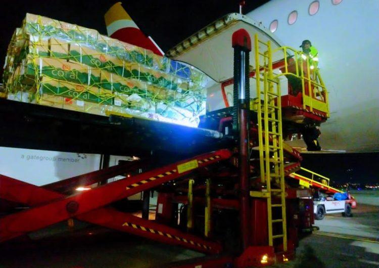 Iberia e IAG Cargo transportan más de 4 millones de rosas por San Jordi