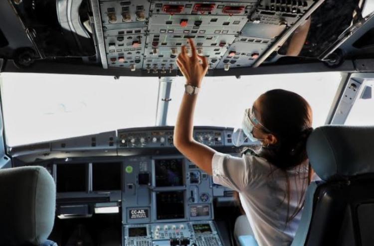 Mujeres, parte fundamental de la aviación