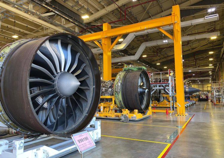 Qatar Airways celebra la apertura de una nueva instalación de motores