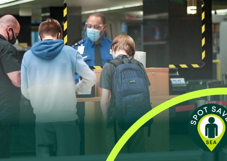 El aeropuerto de Seattle prueba tecnología que permite a viajeros esperar en fila virtual para el control de seguridad