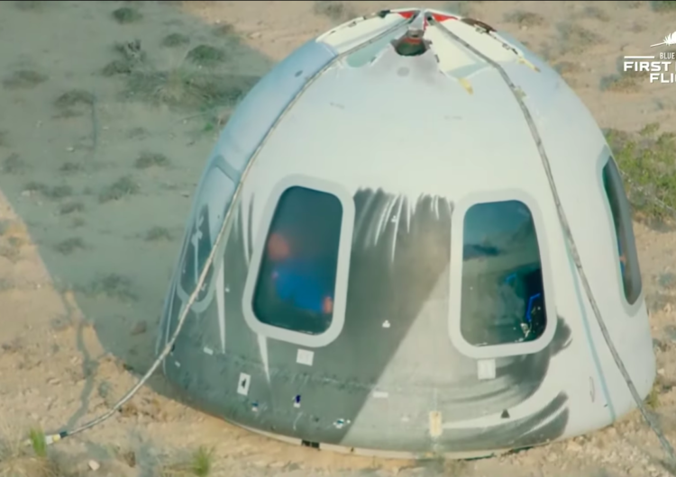 Blue Origin culmina con éxito su primer vuelo espacial tripulado