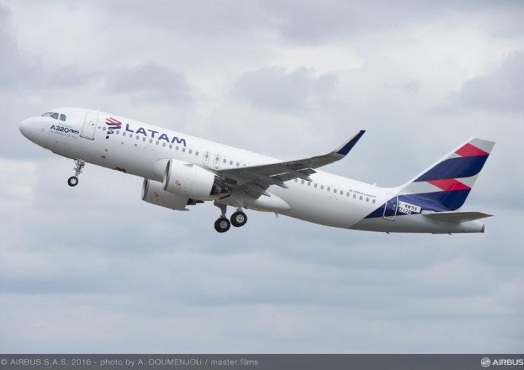 Com fronteira aberta a brasileiros, LATAM retoma em outubro voos diários para Lima