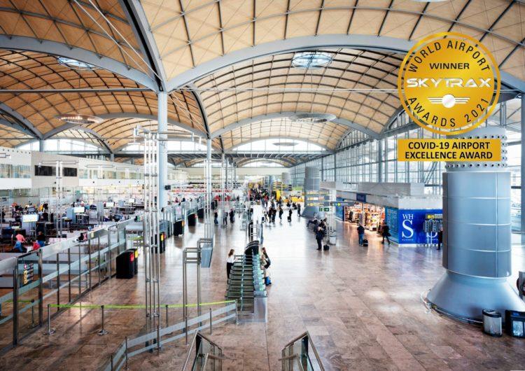 Barajas, El Prat y Alicante-Elche, galardonados con los premios Covid-19 Airport Ecellence
