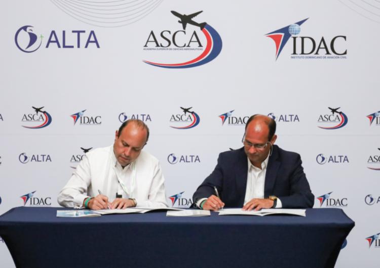 ALTA, ASCA e IDAC firman alianza para impulsar el desarrollo de la aviación en América Latina y el Caribe