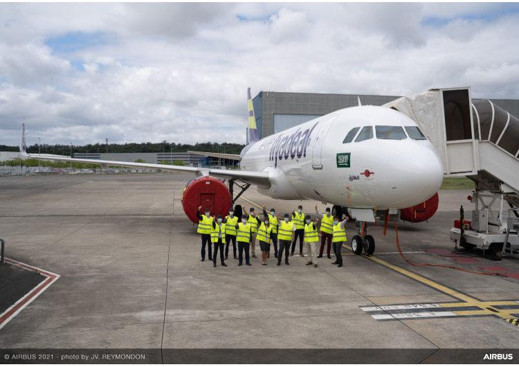Airbus celebra el avión número 1.000 cubierto por Flight Hour Services con flyadeal