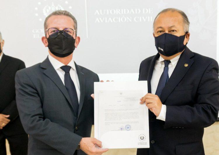 """Volaris obtiene certificación para operar como """"aerolínea de bandera salvadoreña"""""""