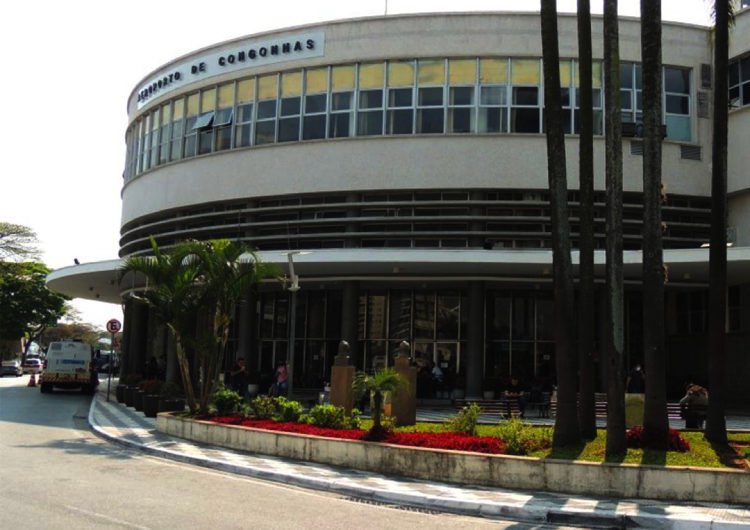 Congonhas conclui reformas na fachada e pontes de embarque