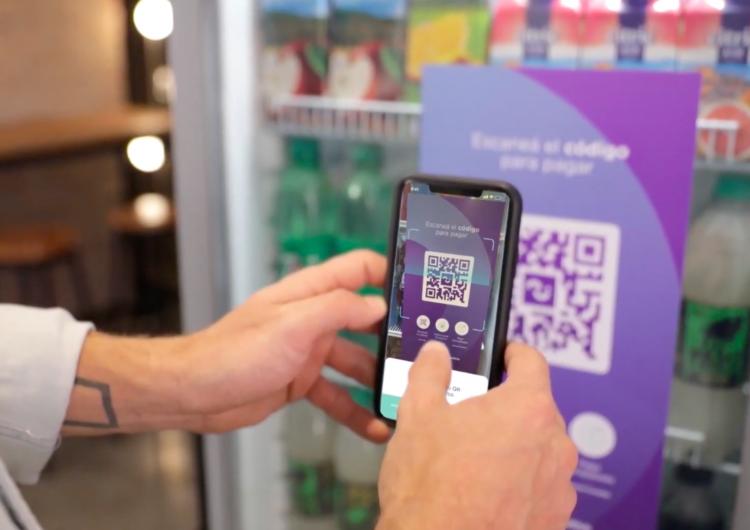 Inteligencia artificial: incorporan cuatro puntos de venta autónoma en el aeropuerto de Ezeiza