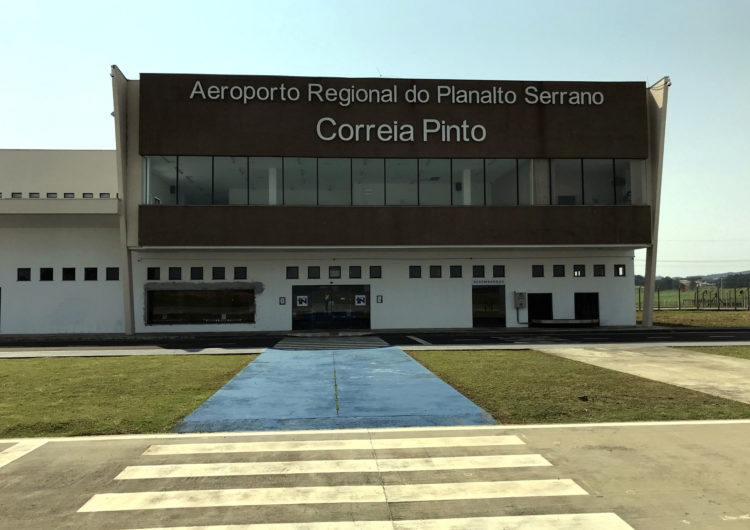 Infraero presta serviços de manutenção na pista do  Aeroporto de Correia Pinto