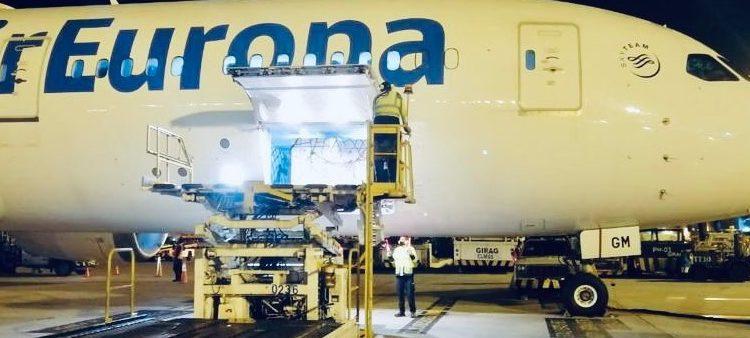 Air Europa transporta con su flota Dreamliner más de 25 toneladas de vacunas Covid a Colombia