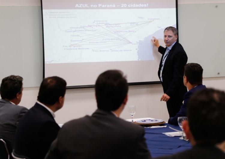 Azul anuncia retorno a quatro cidades e expansão para mais 11 destinos no Paraná